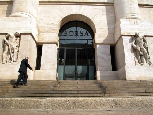 8411e7c442 Piazza Affari regina delle Borse europee con un rialzo del 2,4% in chiusura  nel giorno della «promozione» del governo Monti da parte delle agenzie di  rating ...