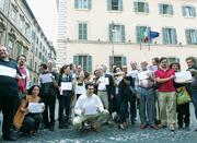 Il gruppo di scrittori, critici e intellettuali intervenuti