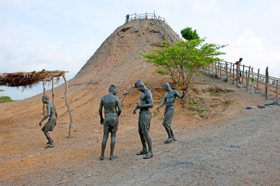 Un bagno nel fango del vulcano