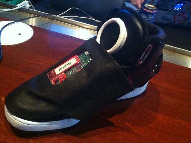 low priced c1126 44332 Le scarpe parlanti Adidas-Google