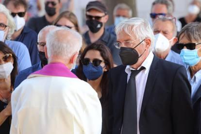 L'addio a Libero De Rienzo, i funerali a Paternopoli, in Irpinia