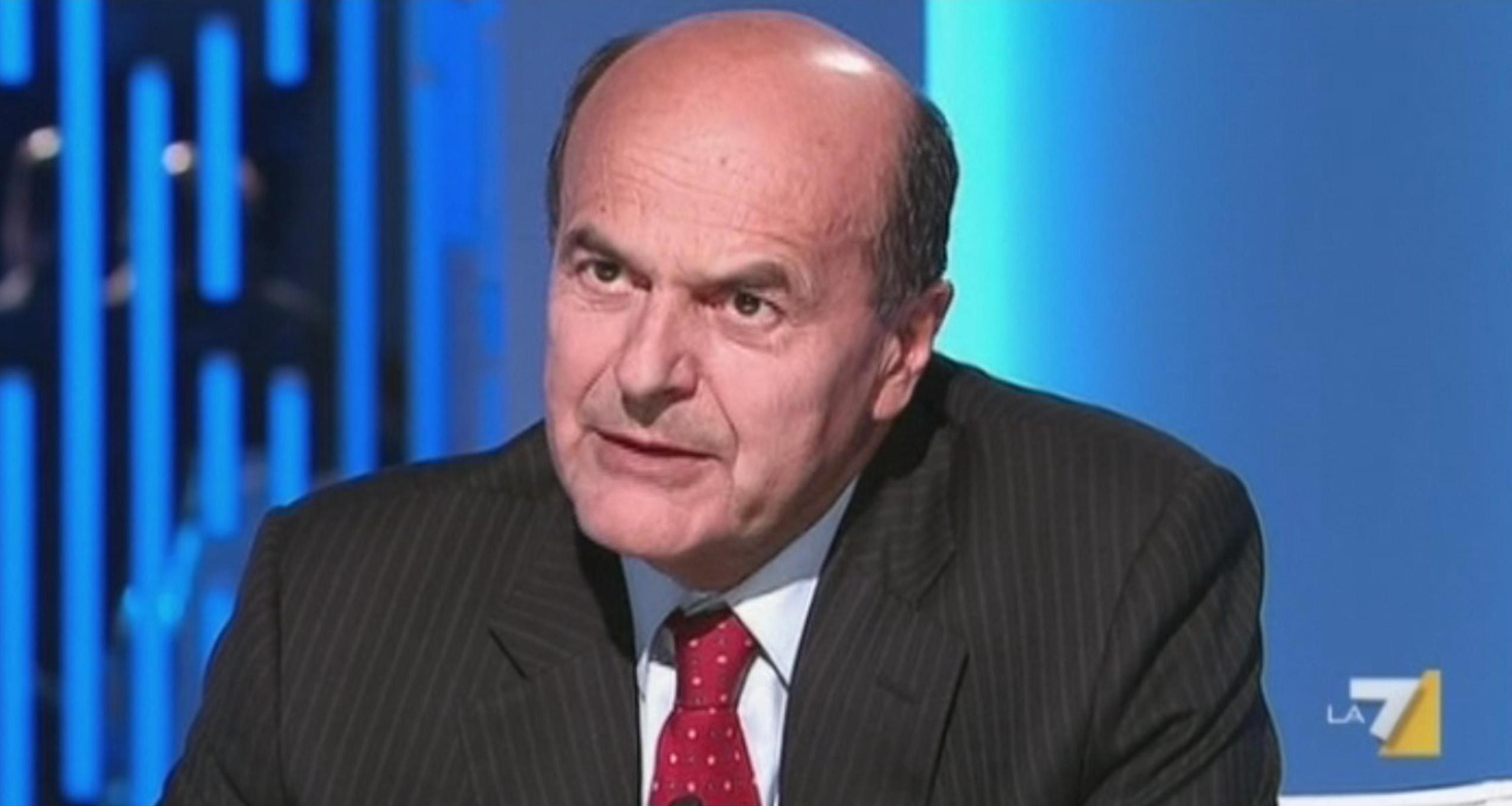 Indagine Su Un Conto Corrente Di Bersani L Ex Segretario Pd