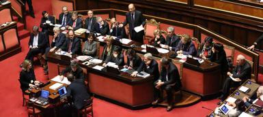 Quindici anni fa la Camera stipulò senza gara una serie di contratti con la  società Milano 90 bbf587b0197