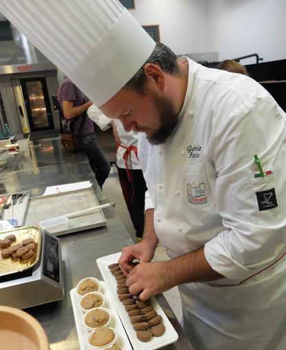 Gabriele Bozio prepara muffin e frollini a base di teff