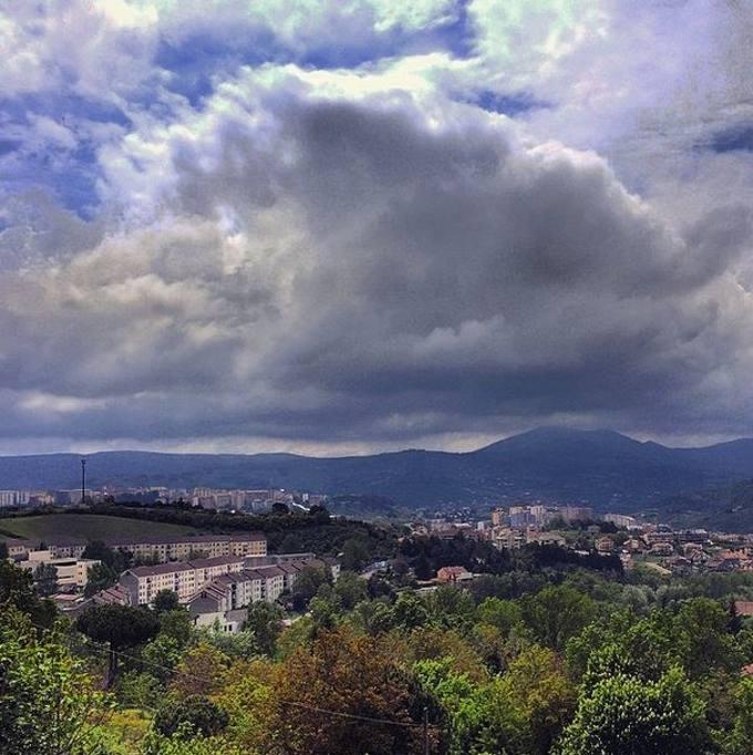 b61d07b114 Inaspettatamente, il racconto, partito da Potenza (capoluogo di regione più  alto d'Italia) e da un solo account (@ragons  https://instagram.com/ragons/), ...