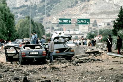 23 maggio 1992,  Capaci: l'attentato in cui morirono Falcone e la sua scorta