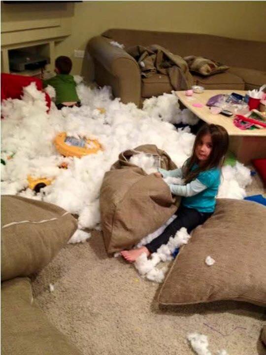 Piccole pesti crescono: i disastri dei bambini nelle foto più ...