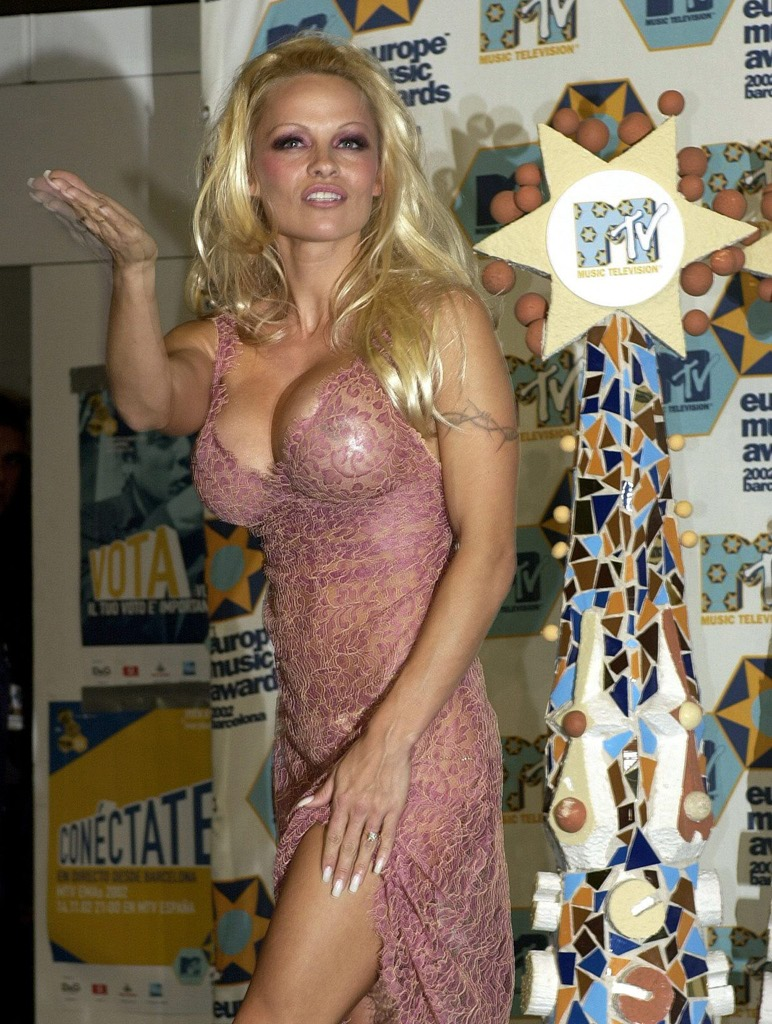 Two shoes sexy naked pamela anderson showing pussy