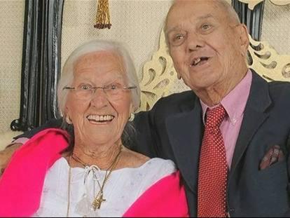 Anniversario Matrimonio 75 Anni.Coniugi Muoiono Insieme Dopo 75 Anni Di Matrimonio Corriere It
