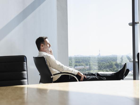 Posizione Scrivania Ufficio : Quando la scrivania diventa un pericolo per la salute cattive