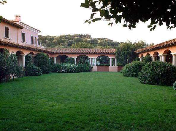 Interni Di Villa Certosa : Berlusconi mostra villa certosae arriva lofferta del principe