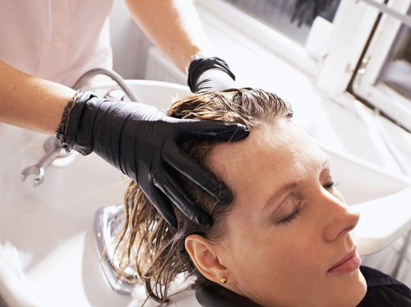 I trattamenti - Caduta capelli in autunno, i rimedi ...