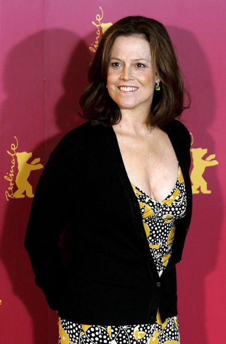 list of awards and nominations received by sigourney weaver - 449×682