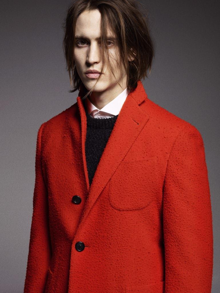 È sempre di Gabriele Pasini il cappotto sfoderato in casentino arancione 16d86a1274f
