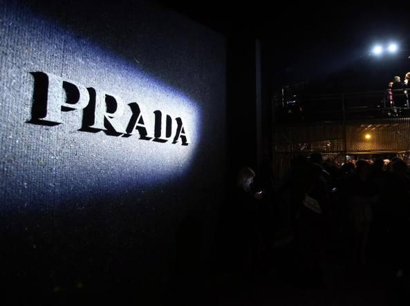 edfb96d803 Truffe online: clonato il sito di Prada Così vendevano prodotti ...