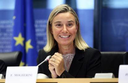 «Noi abbiamo fatto l'Erasmus»Mogherini e la tesi sull'Islam