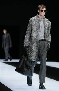 Armani  basta pellicce animali Le collezioni «fur free» - Corriere.it d5e035468fc
