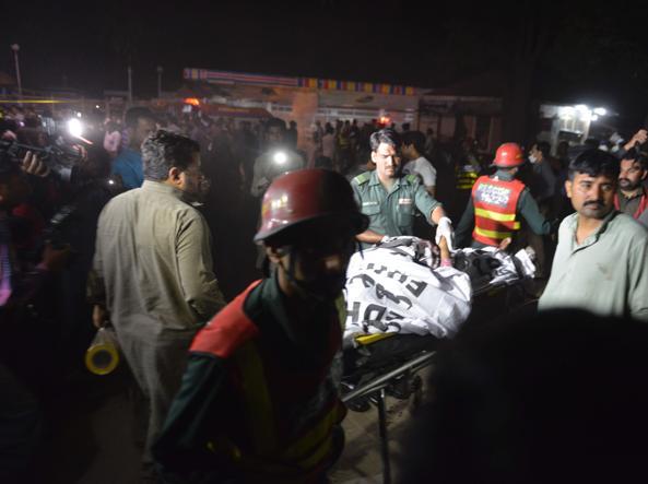 I primi soccorsi (Foto Afp)