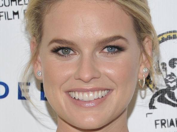 L'attrice Alice Eve ha un'evidente eterocromia (Olycom)