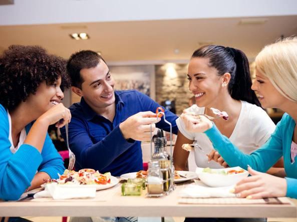 Dieta Settimanale Pugile : La dieta degli studenti fuori sede: pizze aperitivi e leccornie di