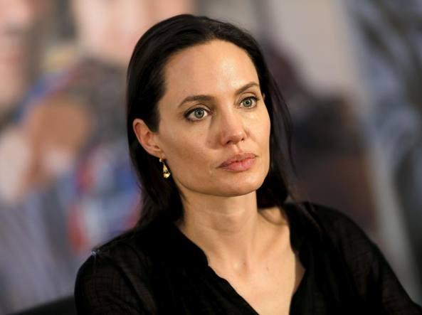 088b7bdfe3 Angelina Jolie compie 41 anni: magrezza e crisi, l'anno più ...