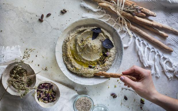 Baba ganoush di cannellini con pistacchi e paprika