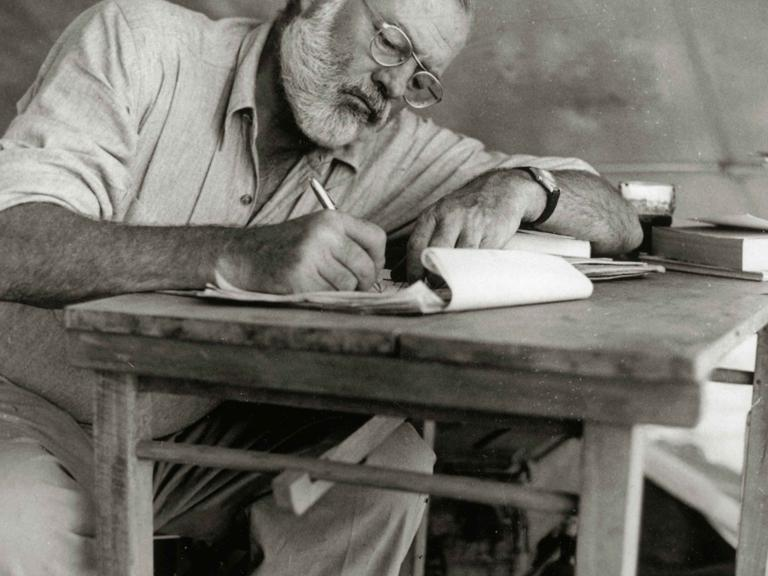 Risultati immagini per 6. Ernest Hemingway morte