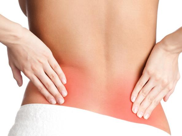 Dolore alla schiena bassa: 4 cause e possibili rimedi