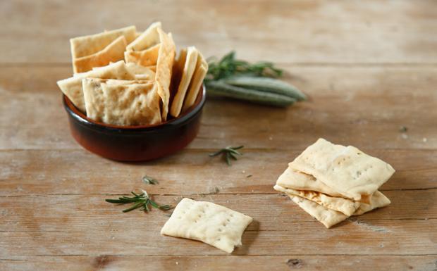 I crackers integrali alle erbe aromatiche