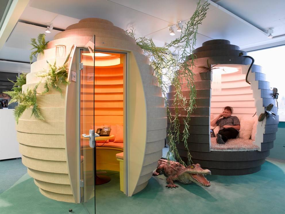 Ecco gli uffici di google futuristici colorati e pieni - Immagini di uffici ...