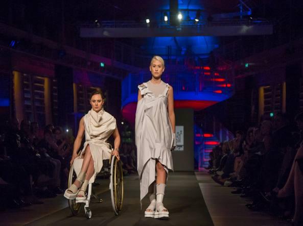 Sedie A Rotelle Torino : Lo stile visto e indossato da una sedia a rotelle corriere.it