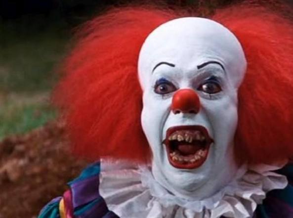 Il clown Pennywise nel film It