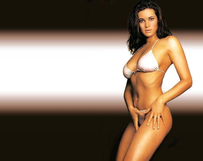 Manuela Arcuri Calendario.Manuela Arcuri Il Party Per I Suoi 40 Anni Dall Intimo E I