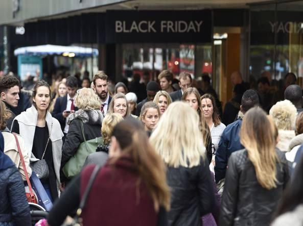 62de37192ce22 Il Black Friday all italiana  ecco dove trovare i maggiori sconti e ribassi  - Corriere.it