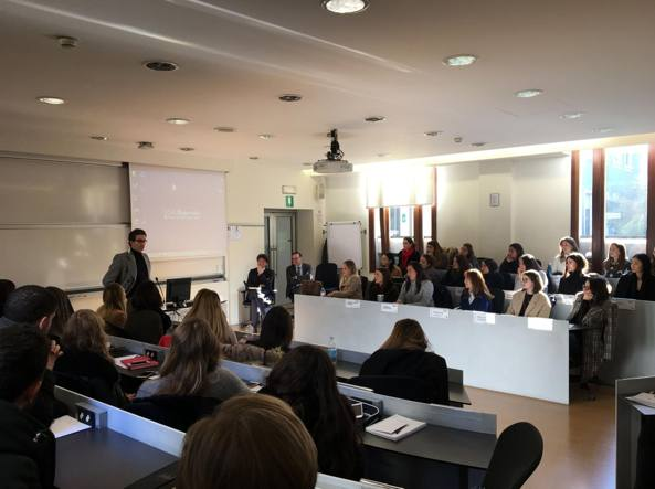 Uffici Yoox Milano : Yoox net a porter e sda bocconi insieme per insegnare competenze