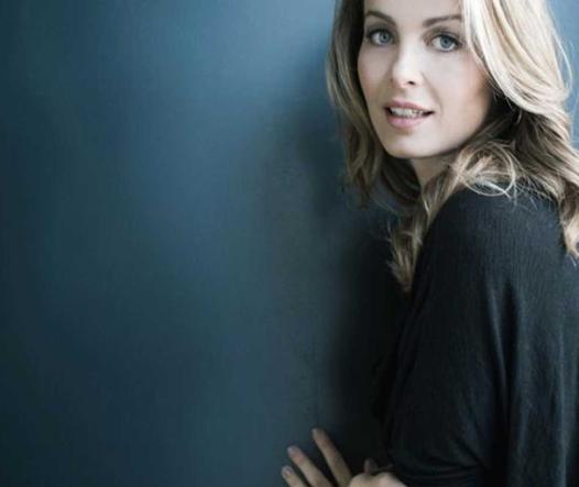Giorgia Surina Calendario.Sanremo Da Moroder A Linus A Greta Menchi Criticata Sul
