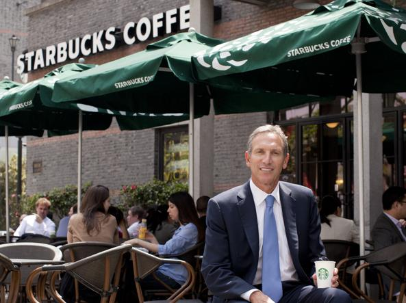 Howard Schultz (1953) in un ritratto di Kevin Lee (Bloomberg/Getty Images)