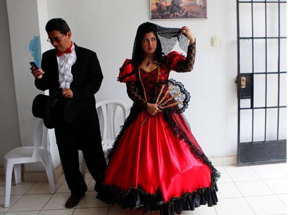 f848ef79955d Dalla Bulgaria all u0027Indonesia 27 abiti da sposa (tradizionali e meno)  ...