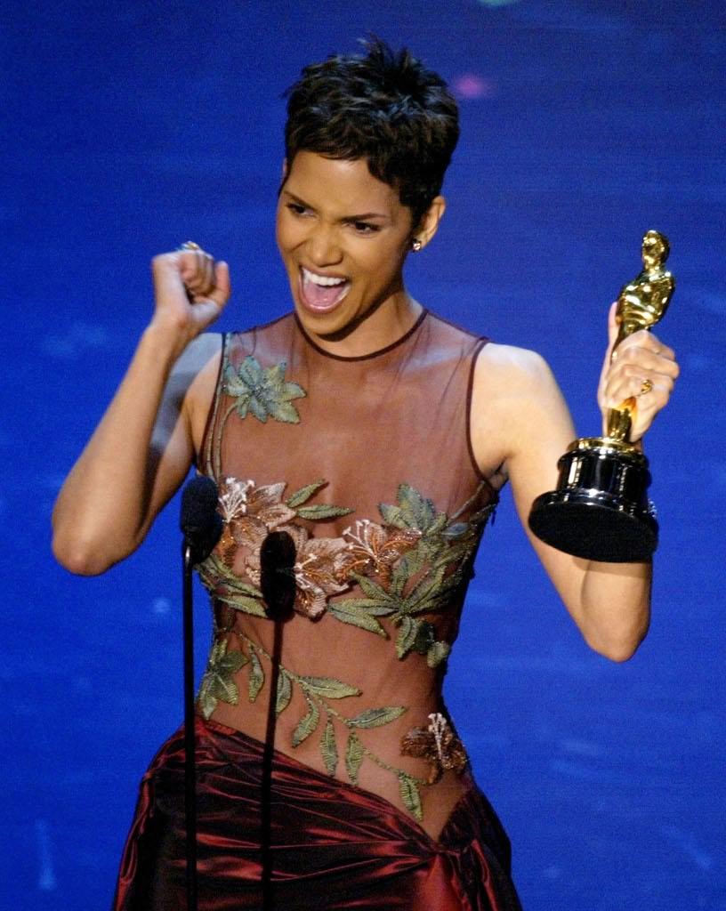 Oscar, Halle Berry in versione riccia (e quando invece ...