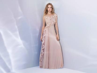 Abiti Eleganti Hm 2018.Nuova Collezione H M Vestiti Fatti Con La Plastica Recuperata In
