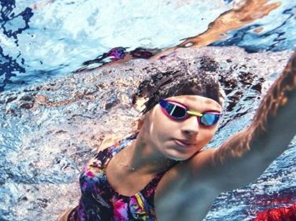 09c5642bab03 Bracciata alta e studio delle correnti I dieci trucchi per nuotare ...