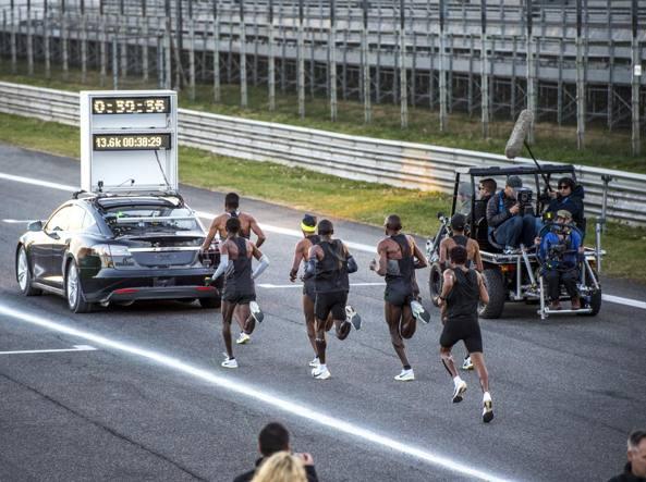 Maratona in meno di due ore Sfuma il record della Breaking 2 - Corriere.it b48cc281292