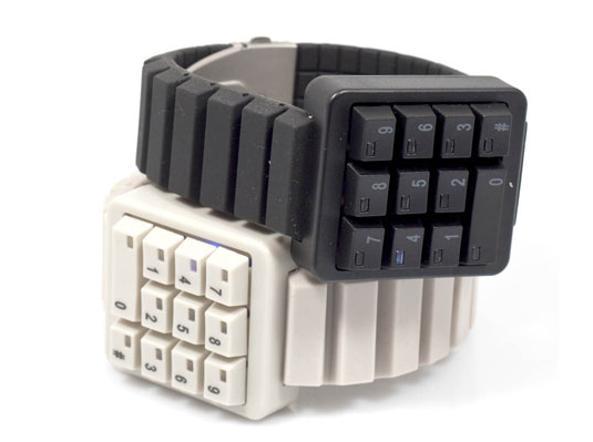 e584f146d35c4e Il Keypad watch è disponibile in cinque colori: bianco, grigio chiaro o  scuro,