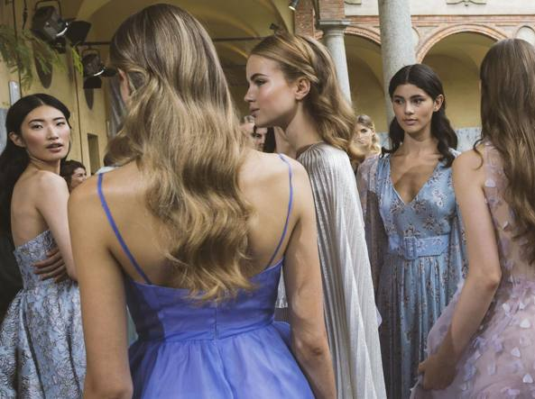 fb6e7b58e4bb Doppio abito e coroncina Come vestirsi a un matrimonio (dopo Pippa) -  Corriere.it