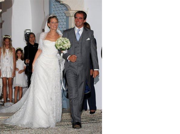 Nozze reali  gli abiti da sposa più belli indossati dalle teste ... e6d287d1585