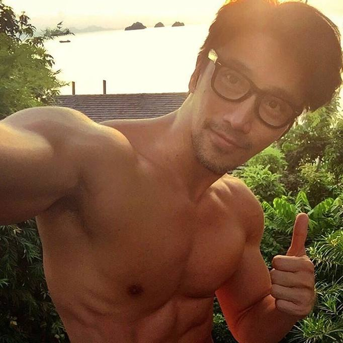 asiatico nudo modelli