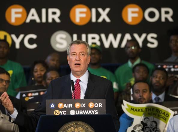 La metro di New York cade a pezzi, il sindaco tassa i più ...
