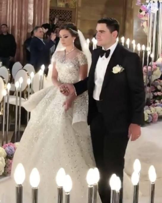 Matrimonio In Russia : Russia il matrimonio da mille e una notte del figlio del