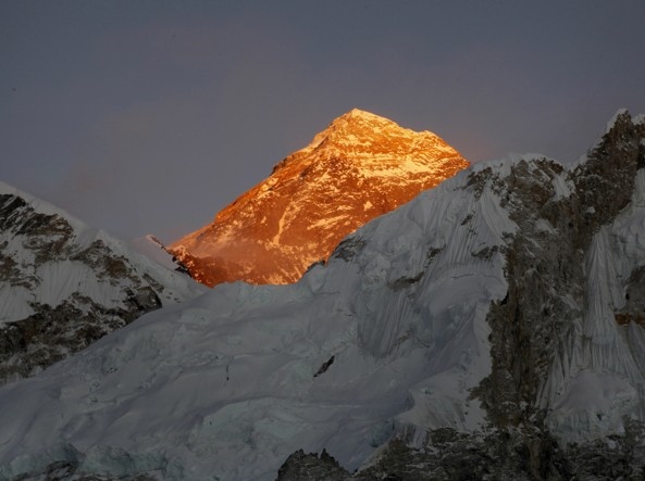 L'Everest (foto Ap)