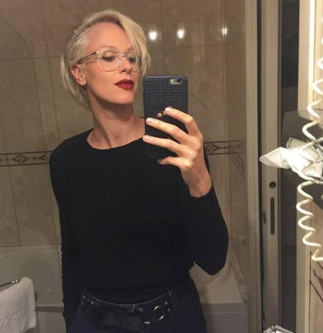 Federica Pellegrini, cambio di look e capelli biondo platino